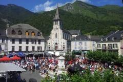 Place de Laruns pendant le 15 août